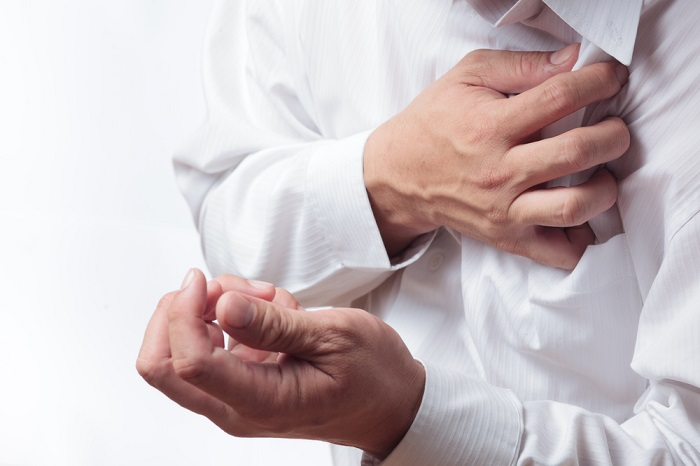 Жгущая боль в груди